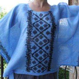 Блузка блакитна